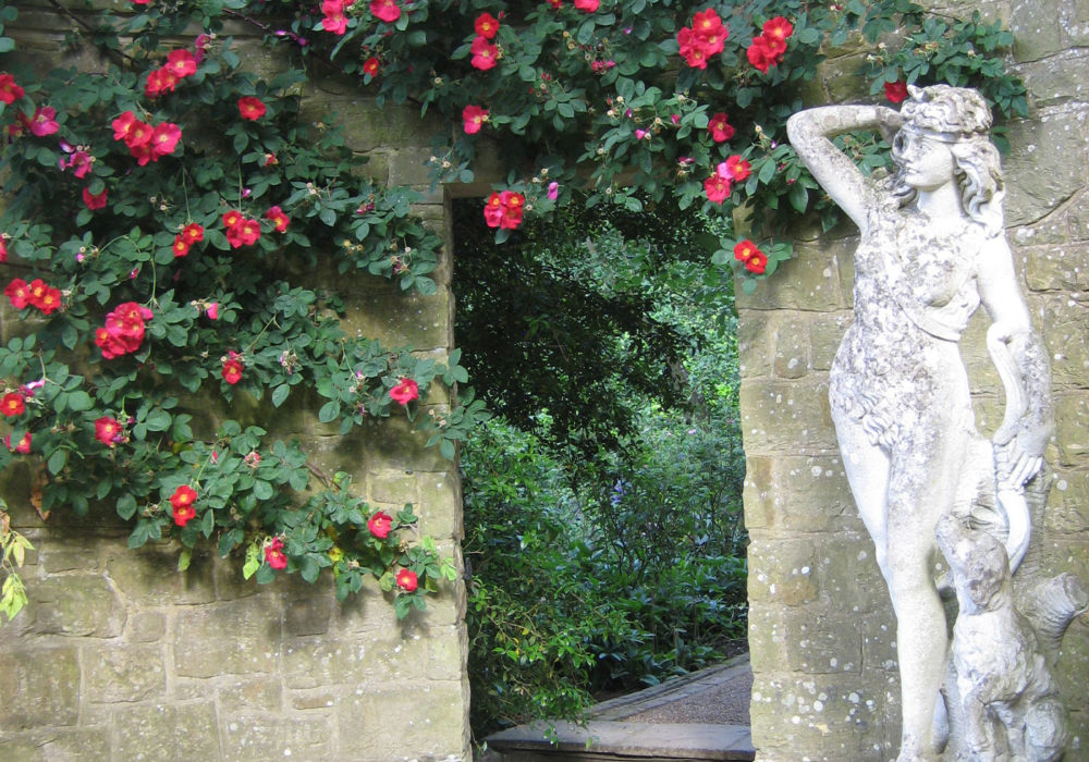 PASHLEY MANOR GARDENS Diana The Huntress And Roses By Kate Wilson Lscap