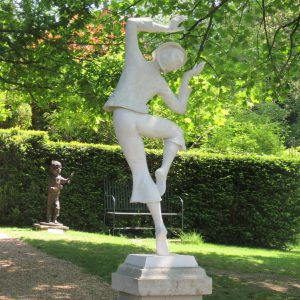 PASHLEY MANOR GARDENS Pierrot Lunaire By Ev Meynell Taken By Kate Wilson