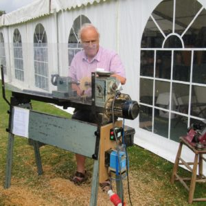 PASHLEY MANOR GARDENS Wood Turning Demonstration By Tom Pockley By Kate Wilson
