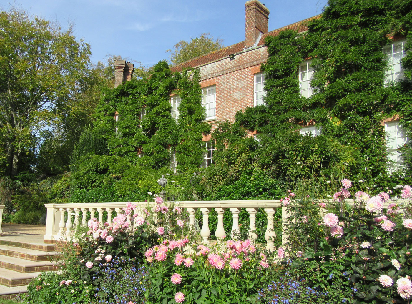 Home - Pashley Manor Gardens