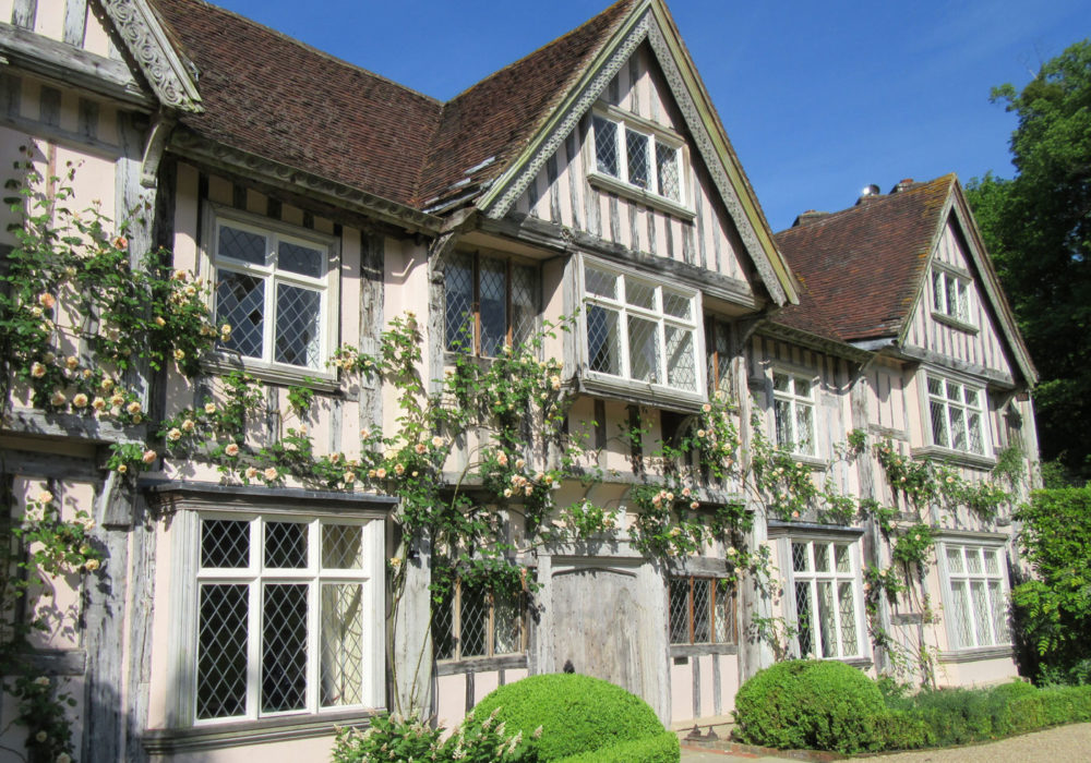PASHLEY MANOR GARDENS Front Of House By Kate Wilson